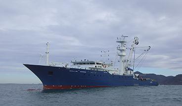 Equipamiento de cubierta y sistema hidráulico del Izaro